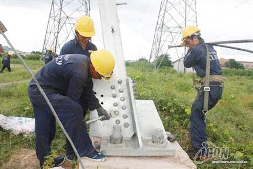 Cắt điện 2 mạch đường dây 500kV Bắc-Nam phục vụ thi công đấu nối